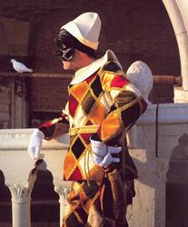 http://www.touritalynow.com/images/venician_costume.jpg