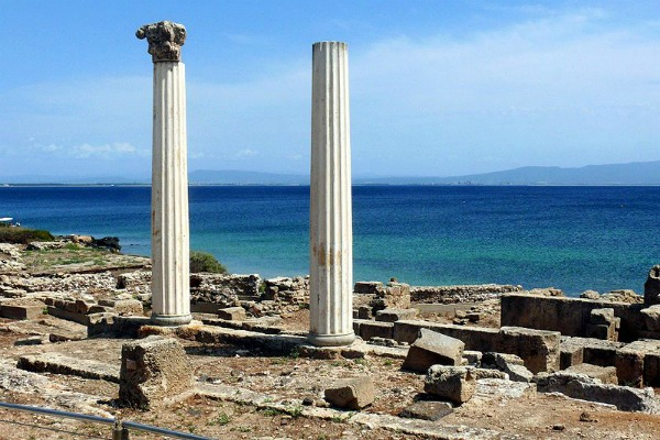 The spectacular ruin of Tharros on Sardinia&#039;s west coast