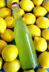 Limoncello, one of Italy&#039;s most popular drinks, decoded