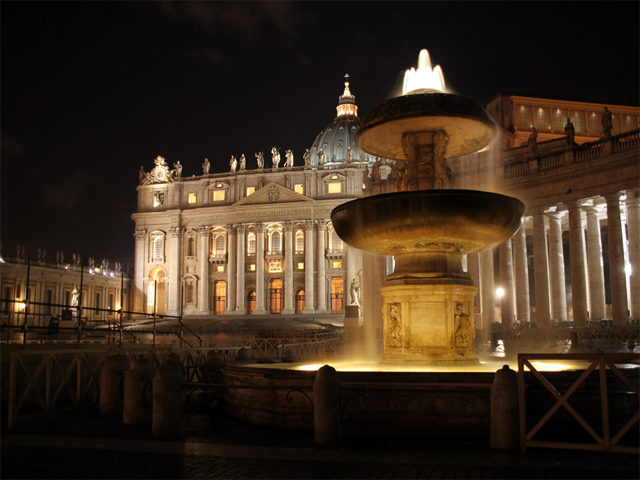 Piazza San Pietro at night