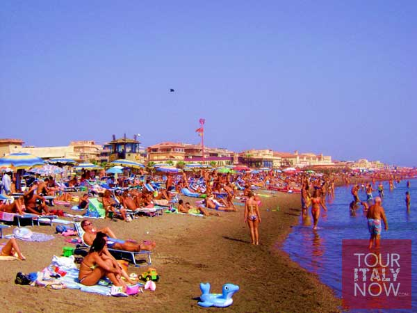 Ostia Italy beach crowd