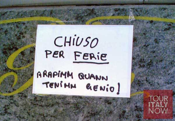 chiuso per ferie ferragosto closed sign