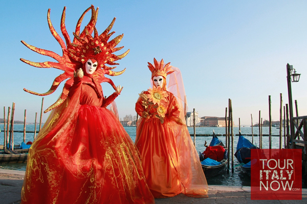 carnevale venice italy - mask and costume couple
