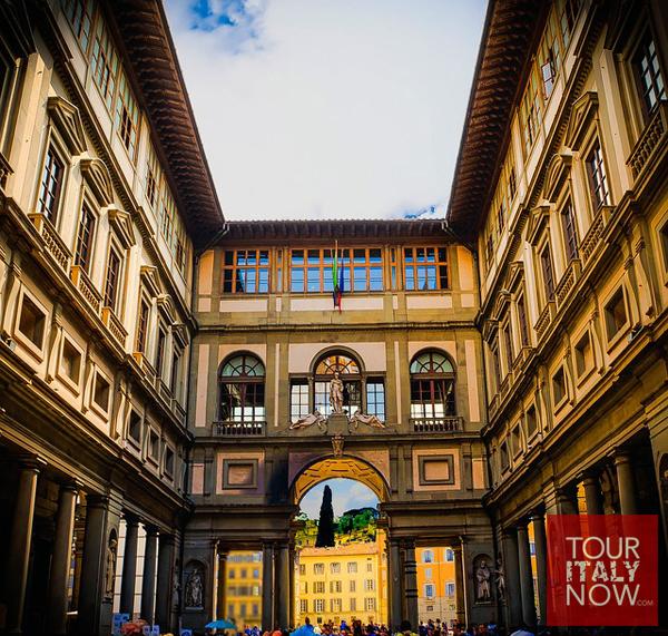uffizi gallery museum florence italy - courtyard