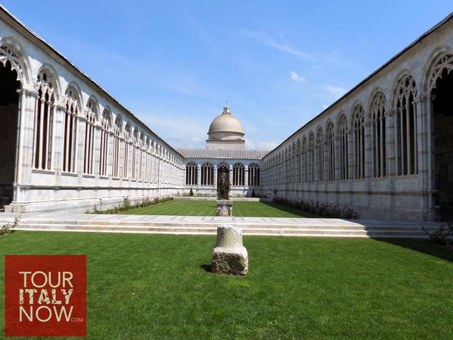 camposanto-monumentale-pisa-italy-interior