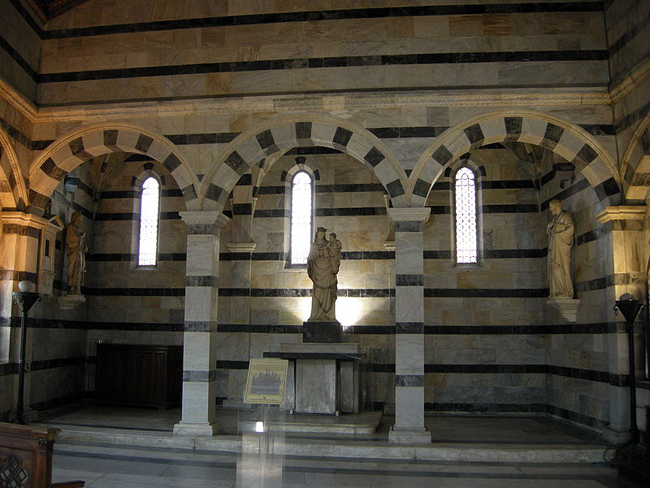 pisa-italy-travel-guide-santa-maria-della-spina-interior