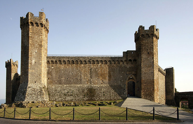 siena-italy-travel-guide-montalcino-Fortezza-ramparts-fortress