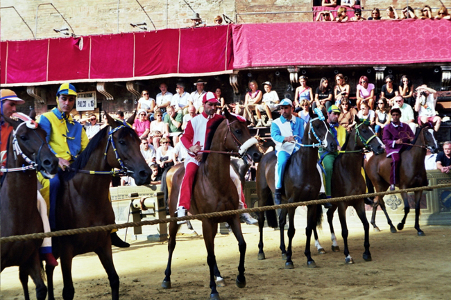 siena-italy-travel-guide-palio-starting-line