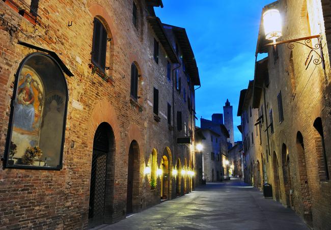siena-italy-travel-guide-san-gimignano-1