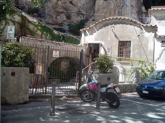 italy-travel-guide-amalfi-coast-amalfi-paper-mill-museum