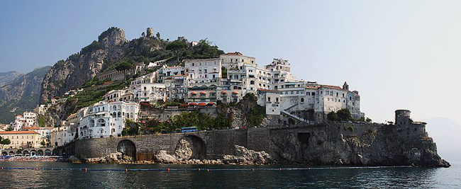 italy-travel-guide-amalfi-coast-amalfi-view