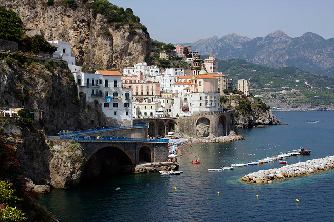 italy-travel-guide-amalfi-coast-atrani-view