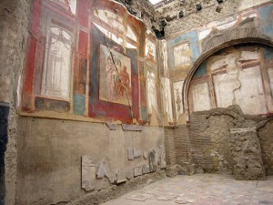 italy-travel-guide-amalfi-coast-herculaneum-hall-of-augustals