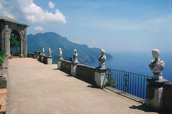 italy-travel-guide-amalfi-coast-ravello-Villa_Cimbrone