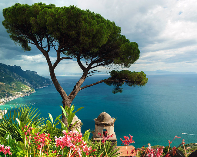italy-travel-guide-amalfi-coast-ravello-Villa_Rufolo