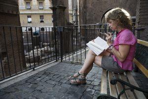 A female tourist in Rome