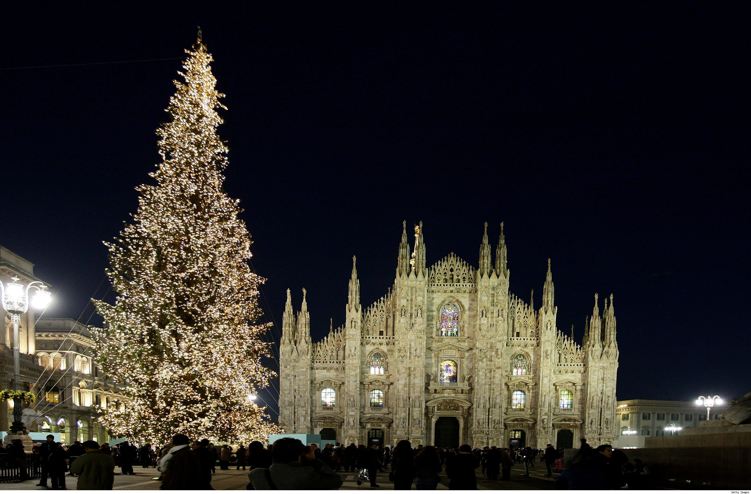 Christmas decoration all around the world - 1