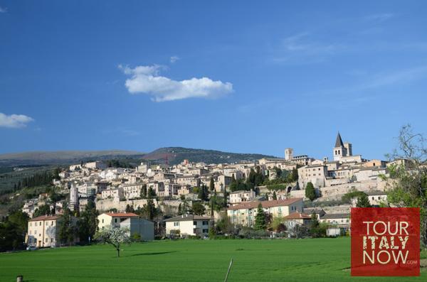 spello-umbria-italy-panorama
