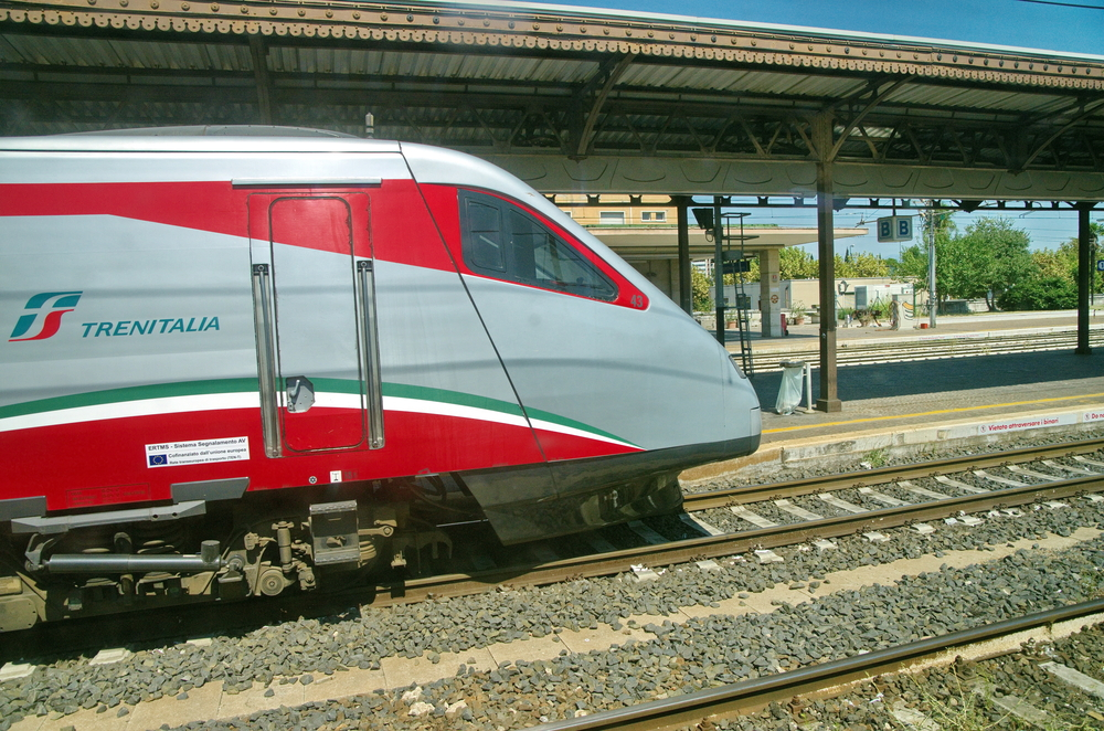 italy train travel trenitalia