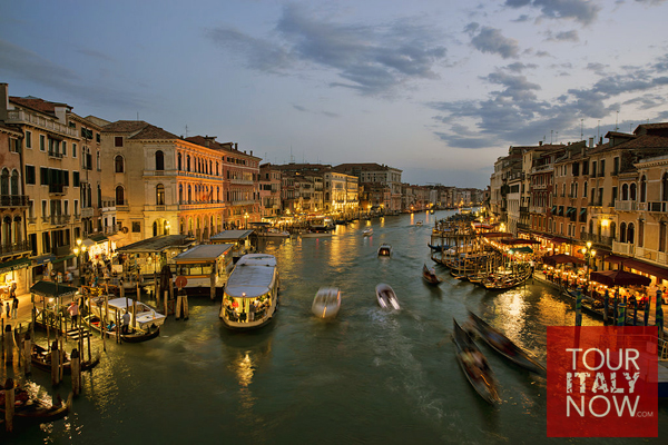 Ponte di Rialto bridge Venice Italy - view of grand canal