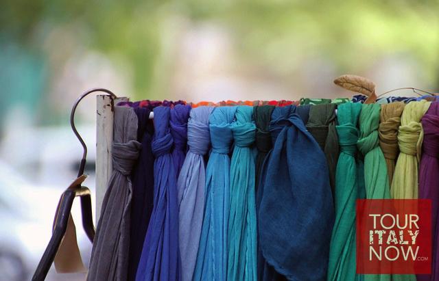 italy-autumn-fashion-scarves