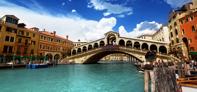 Ponte di Rialto bridge Venice Italy