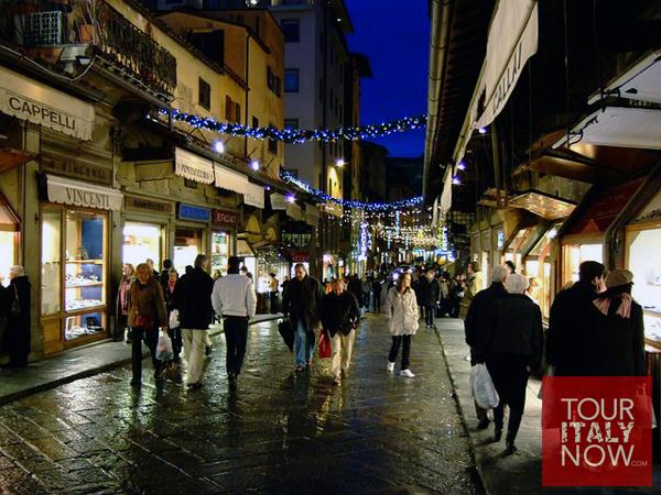 ponte vecchio bridge florence italy - shops at night