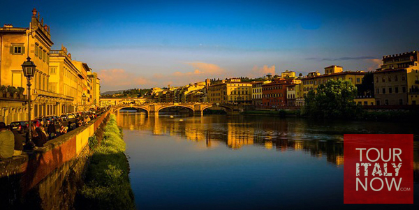 ponte vecchio bridge florence italy - view at sunset
