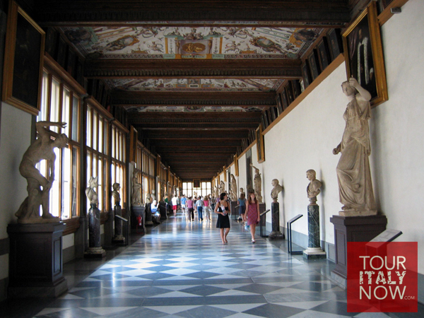 uffizi gallery museum florence italy - Hallway