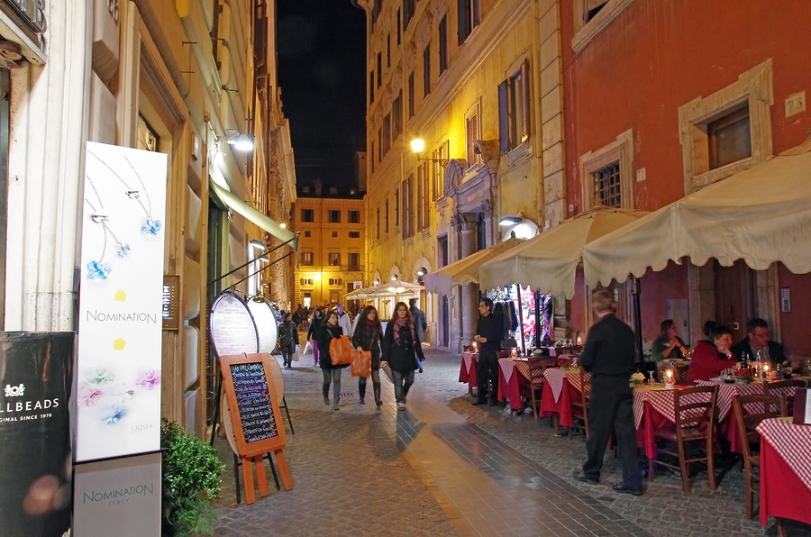 Night On Rome Streets | Tour Italy Now