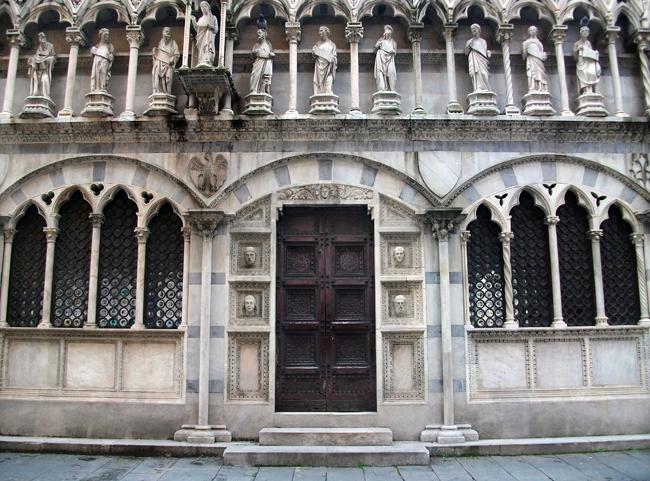 Façana_lateral_de_Santa_Maria_della_Spina_de_Pisa