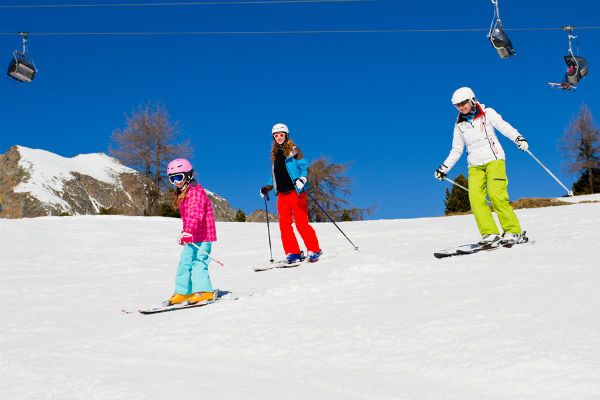 Skiing-winter-ski-lessons