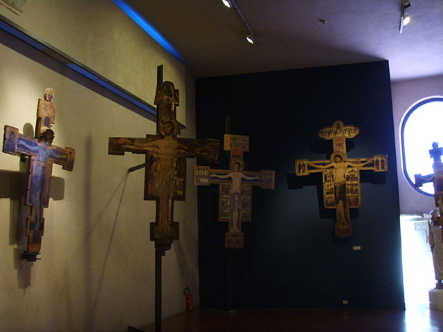 museo-nazionale-di-san-matteo-pisa-italy-painted-crosses