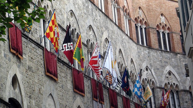 siena-italy-travel-guide-palio-contrade-flags