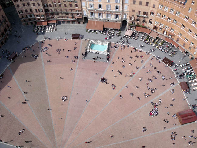 siena-italy-travel-guide-piazza-del-campo-aerial-view