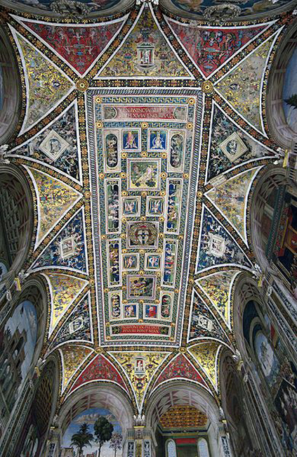 siena-italy-travel-guide-piccolomini-library-ceiling