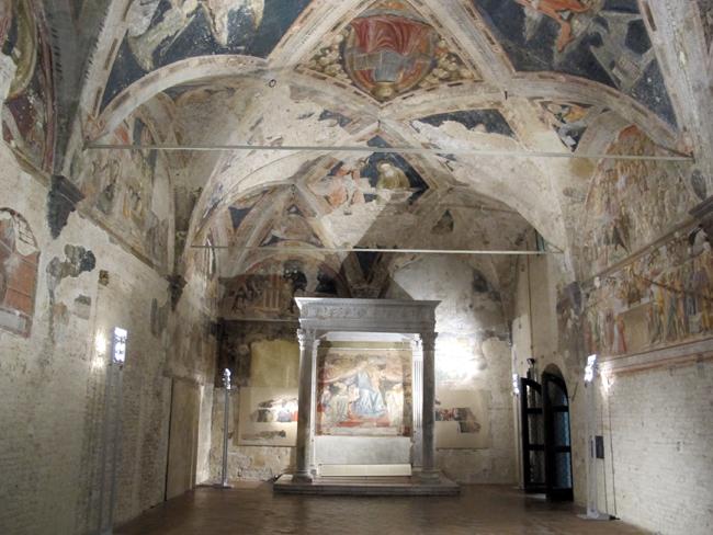 siena-italy-travel-guide-santa-maria-della-scala-sagrestia_vecchia-sacristy