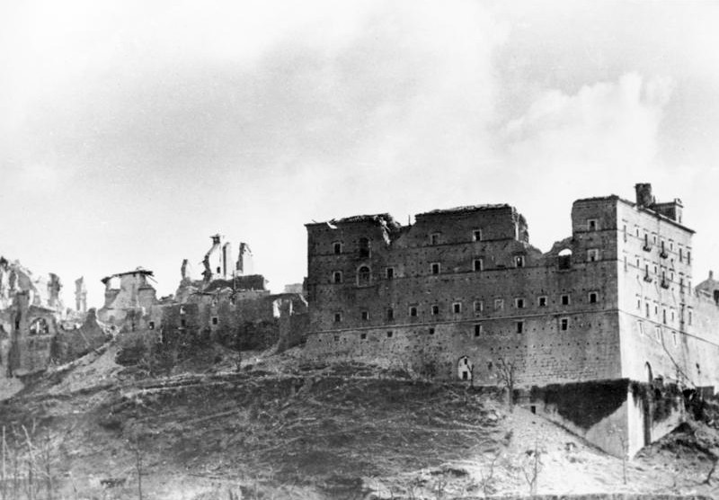 world-war-2-italy-historical-sites-resistance-monte-cassino-ruins