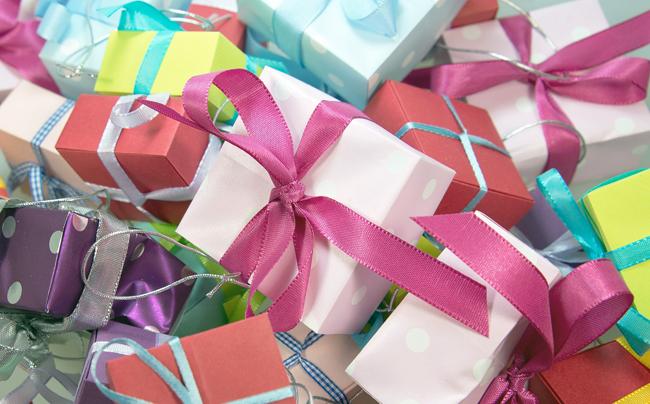 christmas-market-italy-presents