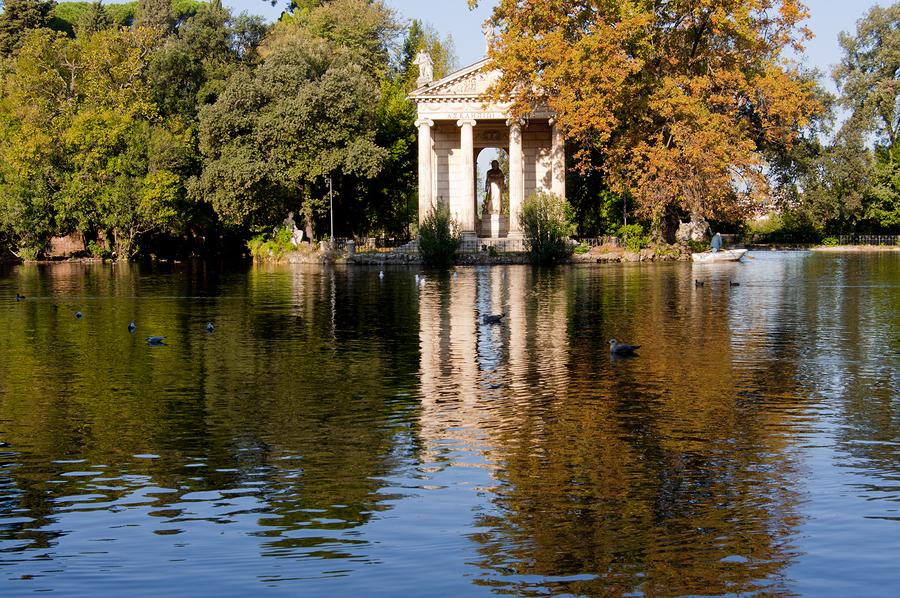 Lake of Villa Borghese In Rome
