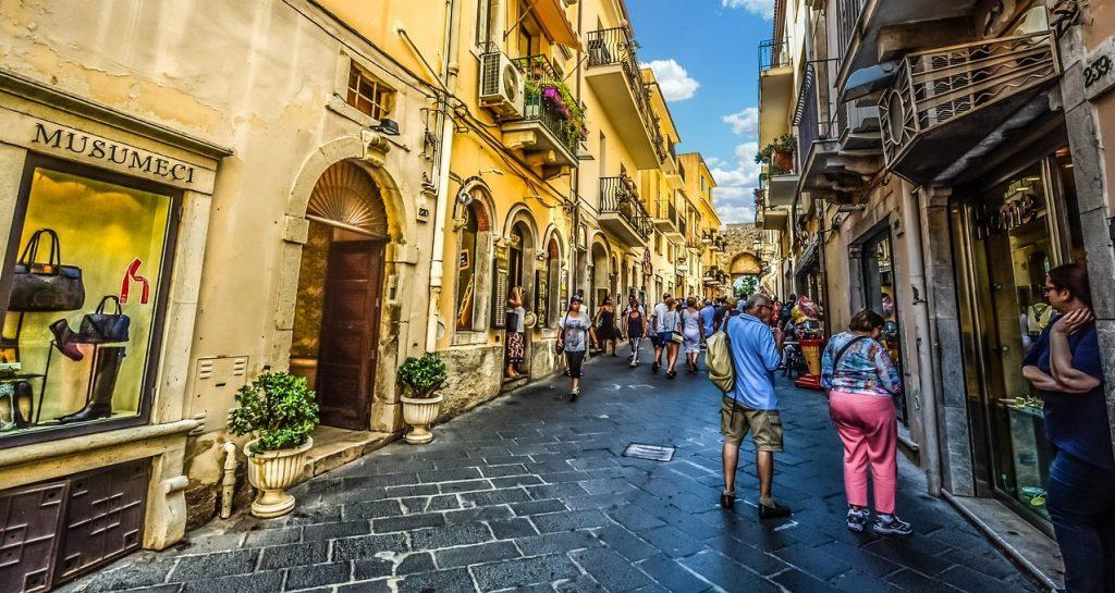 Italy Liguria Genoa Alleys | Tour Italy Now