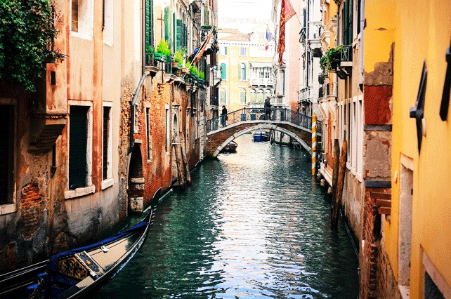 Hopping Around Venice | Tour Italy Now