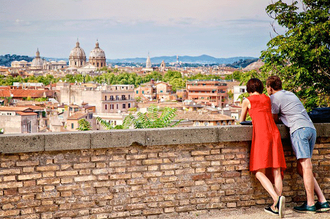Couple-in-Rome | Tour Italy Now