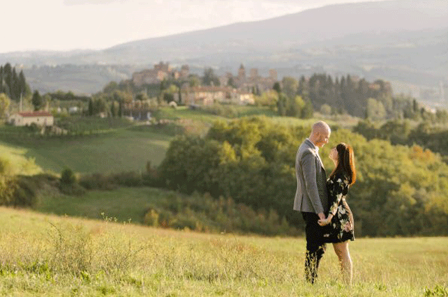 Couple-in-Tuscany | Tour Italy Now