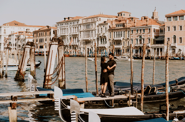 Couple-in-Venice | Tour Italy Now